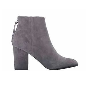 Steve Madden Cynthia Grey Suede Ankle Bootie Zip 6